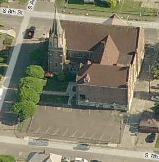 Epworth LeSourd UMC from the north (before 2007 & Kiki's Court)